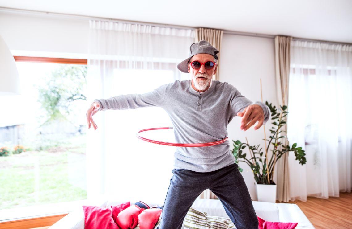 Senior Homme Amusant Colocataire