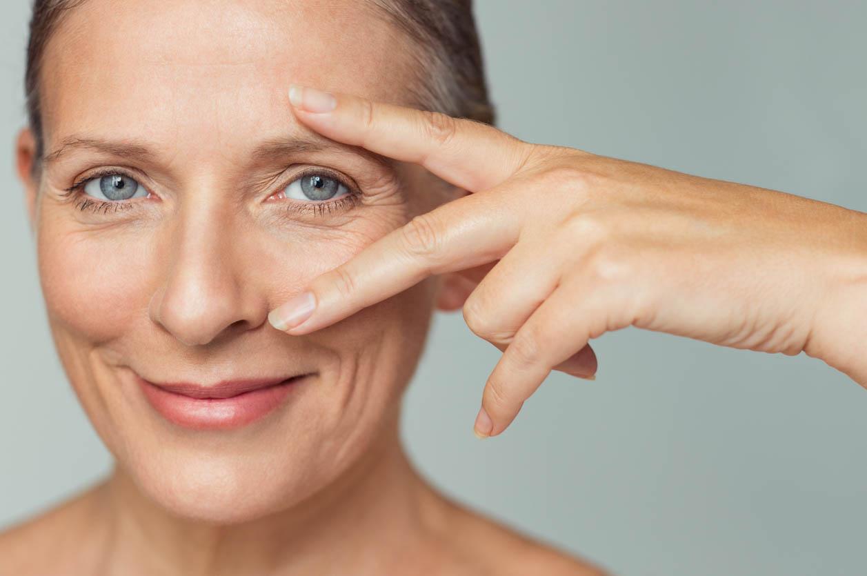 maquillage Yeux femme d'âge mûr