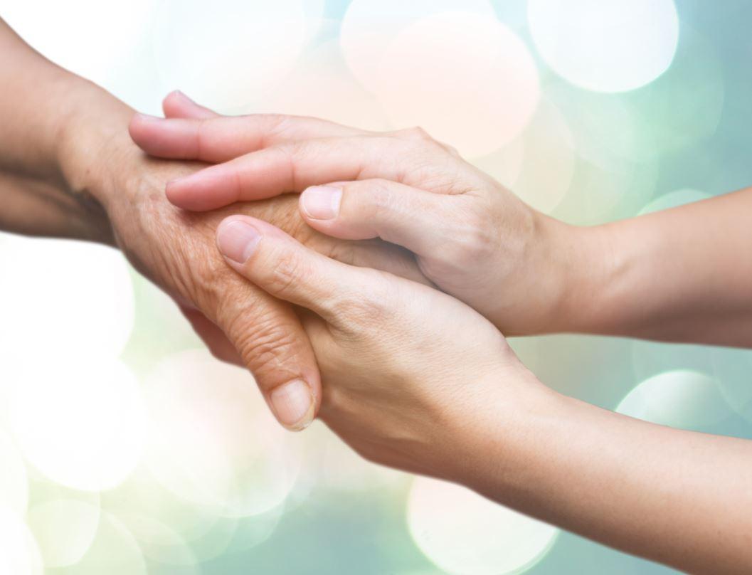 Soins palliatifs à domicile : déroulement, avantages et démarches