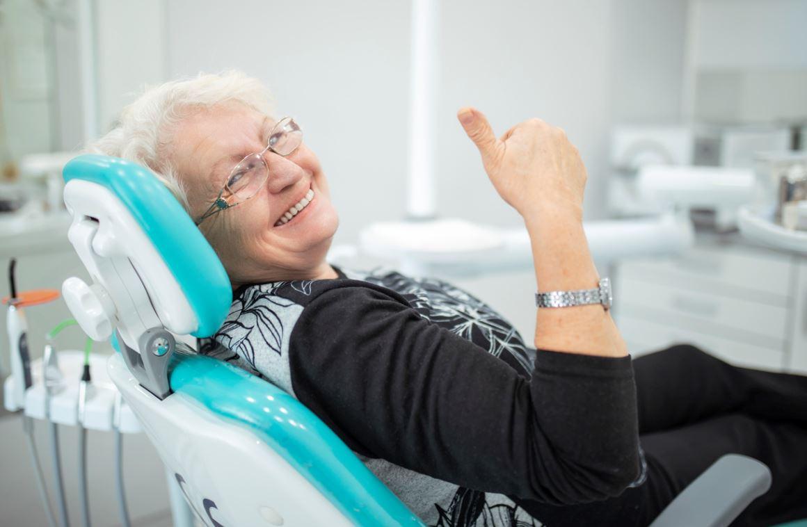 Senior Dentiste