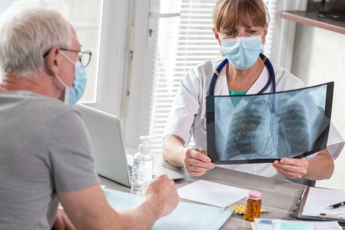 Infection Poumons Personne âgée