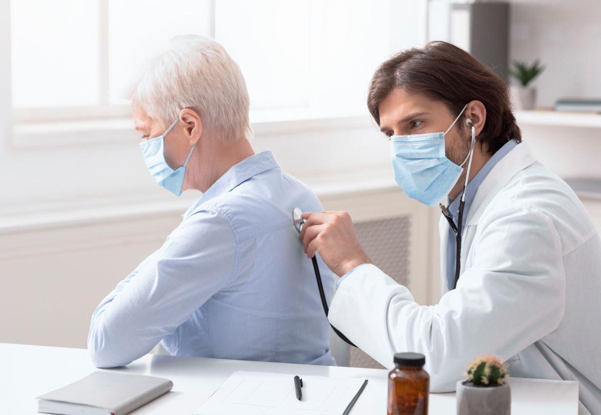 Infection Pulmonaire Senior
