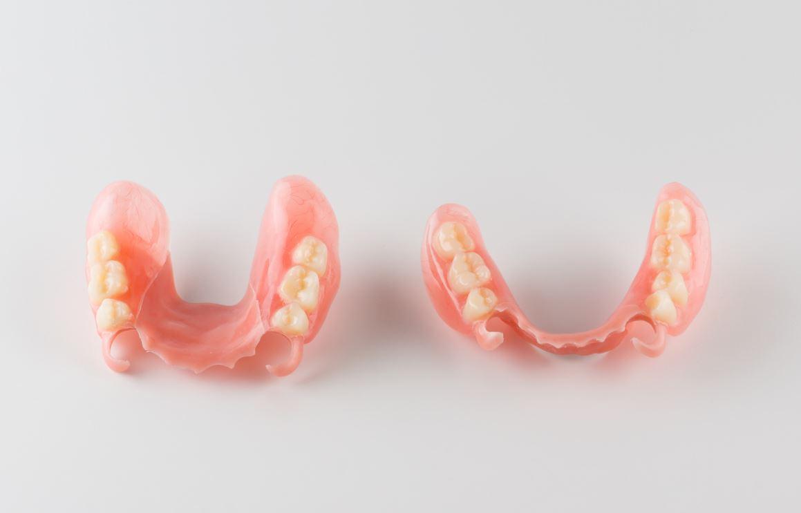 Colle Dentaire Dentier