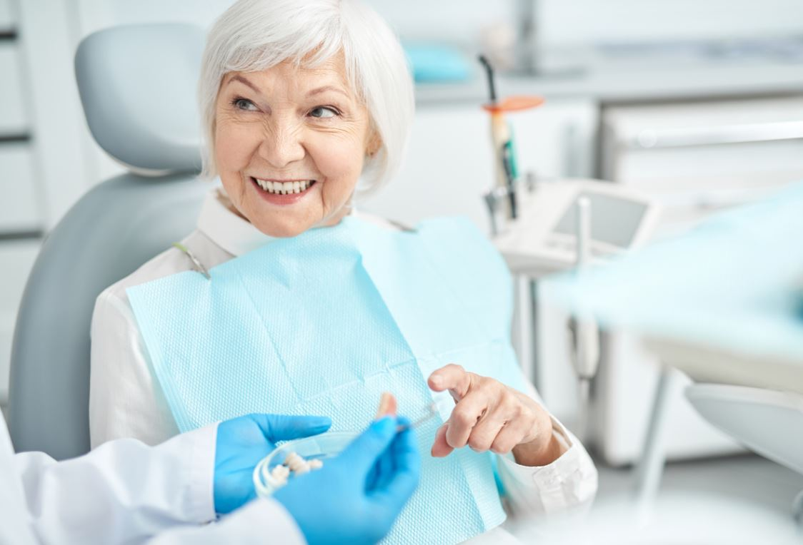 Senior Dentiste Dentier