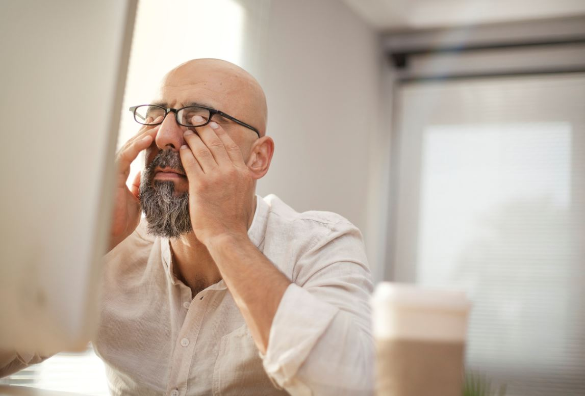 Homme Senior Fatigue