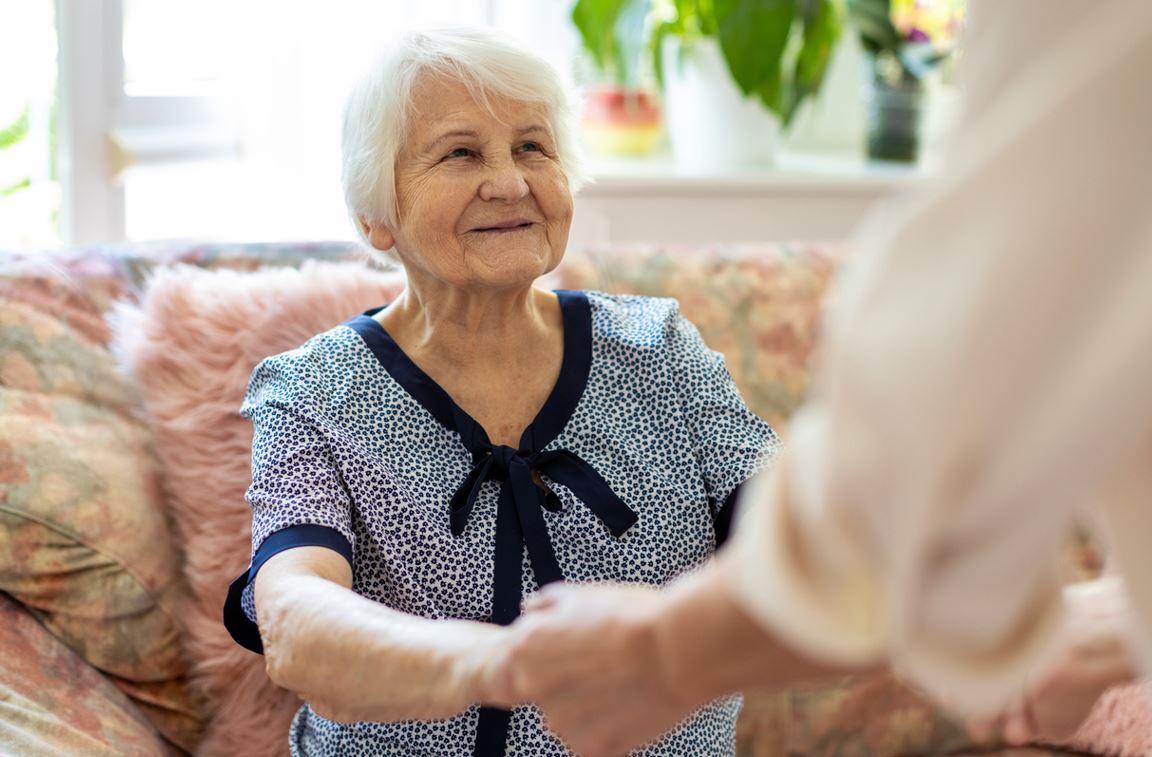 Femme Senior à Son Domicile